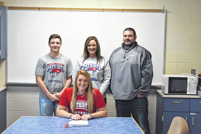 West Jefferson senior Harlie Keith recently signed a commitment letter to play softball at the University of the Cumberlands which is located in Williamsburg, Kentucky. University of the Cumberlands is a member of the National Association of Intercollegiate Athletics (NAIA) and a member of the Mid-South Conference (MSC). Keith (sitting), a pitcher-infielder was joined in her signing by family members from left: Korbin Keith, Jennifer Keith and Jeff Keith.