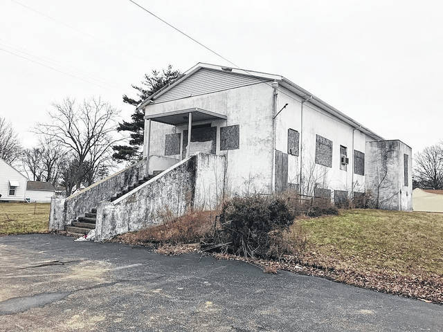 A sand volleyball court, outdoor shower and other amenities could soon replace this abandoned church near the intersection of Hawthorne and Park avenues in London. City leaders want to buy the property in order to expand the municipal swimming pool.